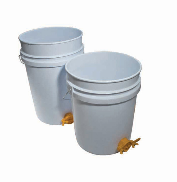 Plastic 5 Gallon Honey Tank (25 kg)